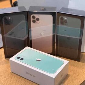Apple iPhone 11 Pro Max - Samsung Note 10 Plus