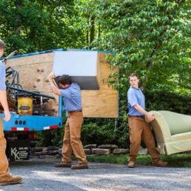 Изхвърляне на мебели, стари вехтории от апартаменти